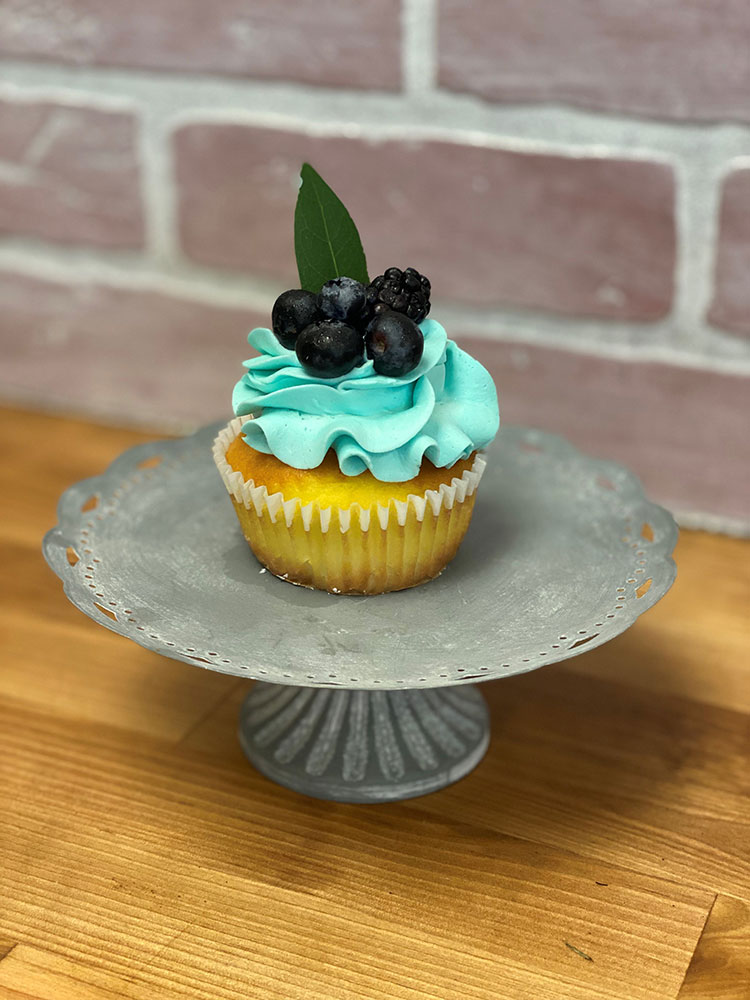 Lemon-Blueberry-Cupcake